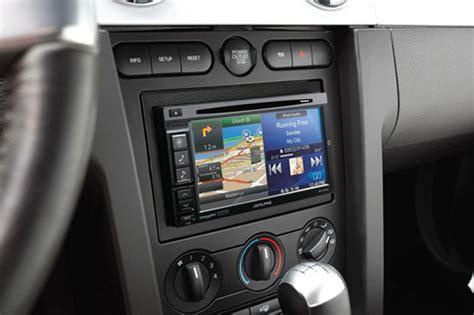 fitur canggih tv mobil branded yang perlu anda ketahui