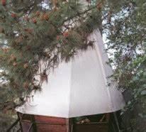 Baumhäuser Für Kinder : baumh user f r kinder traumhafte beispiele aus dem buch tree hauses ~ Eleganceandgraceweddings.com Haus und Dekorationen