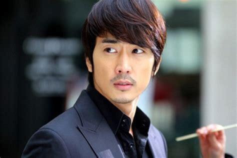 Top 10 Most Popular and Handsome Korean Actors in 2014