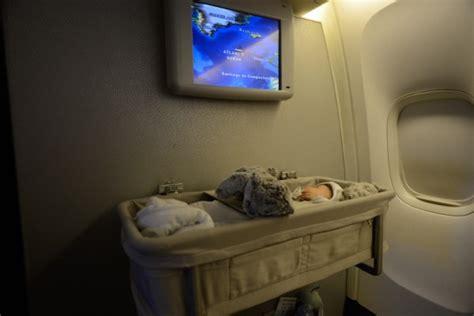 cabine de avec siege toutes les choses à savoir pour prendre l 39 avion avec un bébé