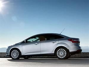 Ford Focus 1 : ford focus iii sedan 1 6 tdci 115 hp ~ Melissatoandfro.com Idées de Décoration