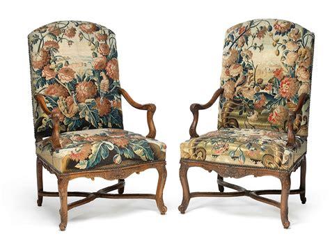 canapé louis xiv mobilier de salon comprenant quatre fauteuils et un canapé
