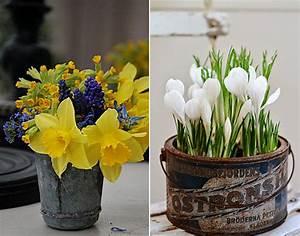 Tischdeko Frühling 2017 : fr hlingsdeko mit fr hlingsblumen rustikale tischdeko ~ A.2002-acura-tl-radio.info Haus und Dekorationen
