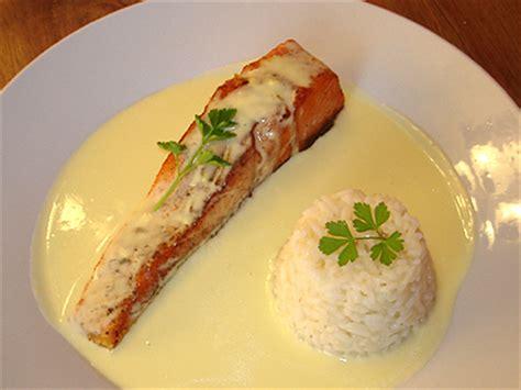 une mousseline en cuisine pavé de saumon sauce hollandaise citronnée la cuisine