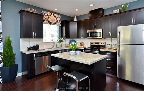 dark kitchen cabinets with light countertops dark kitchen cabinets with light granite dark cabinets