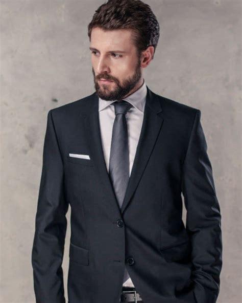 grauer anzug krawatte grauer anzug schwarze krawatte trendy anzug graue anz 252 ge schwarze krawatte und schwarzer anzug