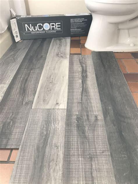 Bathroom Flooring Ideas Vinyl by Best 25 Vinyl Flooring Bathroom Ideas On