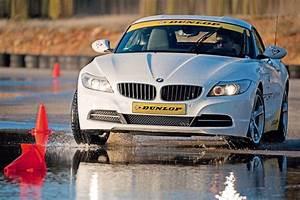 Dunlop Sport Maxx Rt : dunlop sport maxx rt tyre review auto express ~ Melissatoandfro.com Idées de Décoration