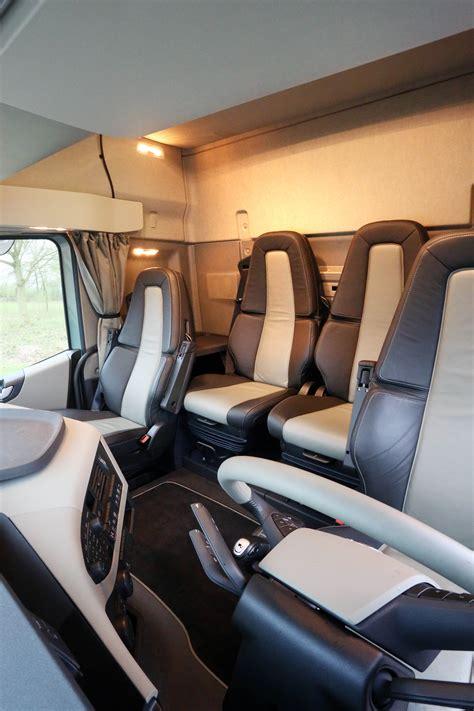 zuinig rijden  de nieuwe volvo fh met vier zitplaatsen