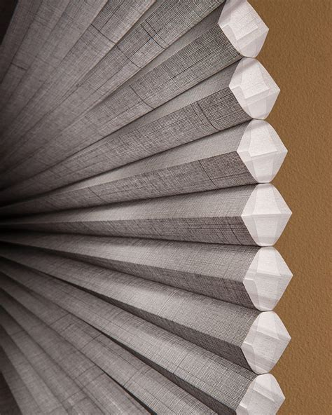 Honeycomb Blinds by Best 25 Honeycomb Shades Ideas On Honeycomb
