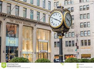 Shopping Street At 5th Avenue In NYC Editorial Stock Image ...