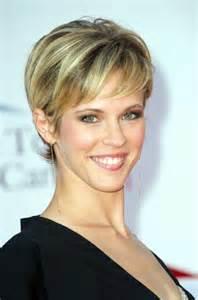 coupe cheveux fins coupe courte femme 40 ans cheveux fins