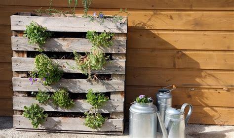 grand canapé angle comment fabriquer salon de jardin en palettes en bois