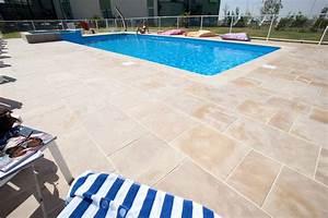 plage piscine pierre naturelle une plage en pierre With plage piscine pierre naturelle