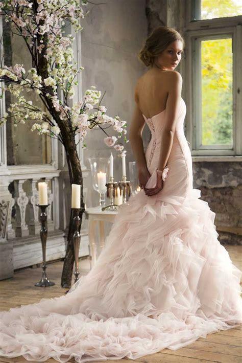 Kāzu kleita - mūžīgas laimes un nezūdošu atmiņu simbols