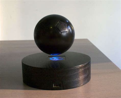 The Omone Floating Bluetooth Speaker Is A Really Cool Gadget