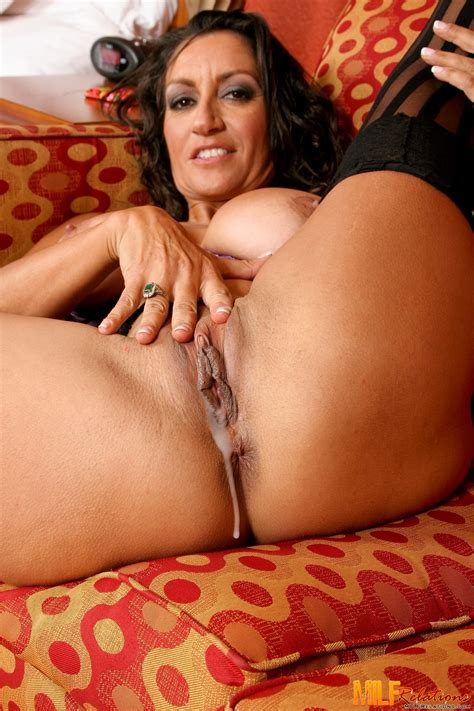 Seriously Busty Mommy Persia Monir Spreads Legs In Cool