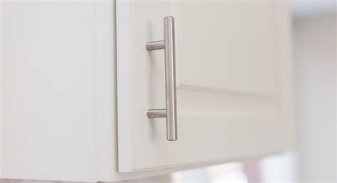 diy kitchen cabinet handles how to place kitchen cabinet knobs and pulls 6819