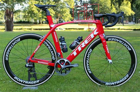 trek unveil revamped  madone  series aero road
