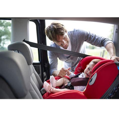 siege auto bebe groupe 1 20 sièges auto pour des vacances avec bébé en toute