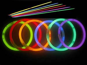 Amazon - 100 Glow Sticks For $9.98 Shipped (Plus Glowing ...  Glow