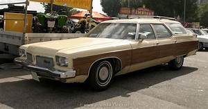 1973 Oldsmobile Custom Cruiser - Information And Photos