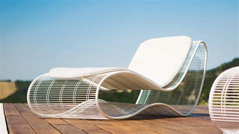 chaise longue extérieur sinuo modern luxury metal frame sunbed shop