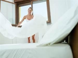 Bettwäsche Waschen Programm : bett beziehen alles was sie wissen sollten ~ Frokenaadalensverden.com Haus und Dekorationen
