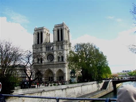 Paris Attractions A Sightseeing Tour Of All The Major