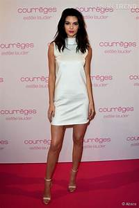 Kendall jenner ose la robe en soie et fait l39unanimite for Kylie jenner robe