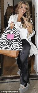 Pyjama Party Outfit : the only way is essex pyjama party lauren pope turns up in a dress and boots daily mail online ~ Eleganceandgraceweddings.com Haus und Dekorationen