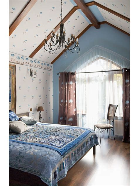 country house  russia blends traditional