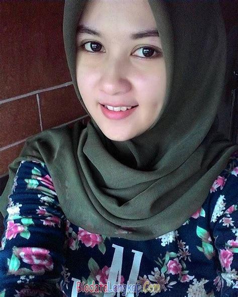Wanita Alim Pake Hijab Download Bokep Indonesia Gratis