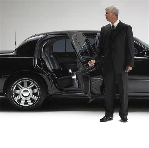Chauffeur Service by Service Chauffeur Location Limousine