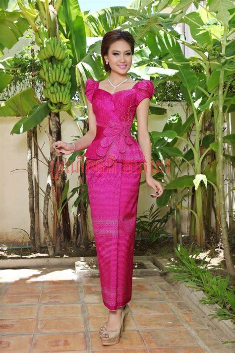 pin oleh sovannda sum   traditional dress pakaian