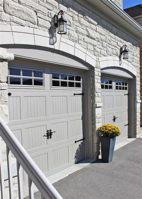 carriage house garage doors ideas  pinterest
