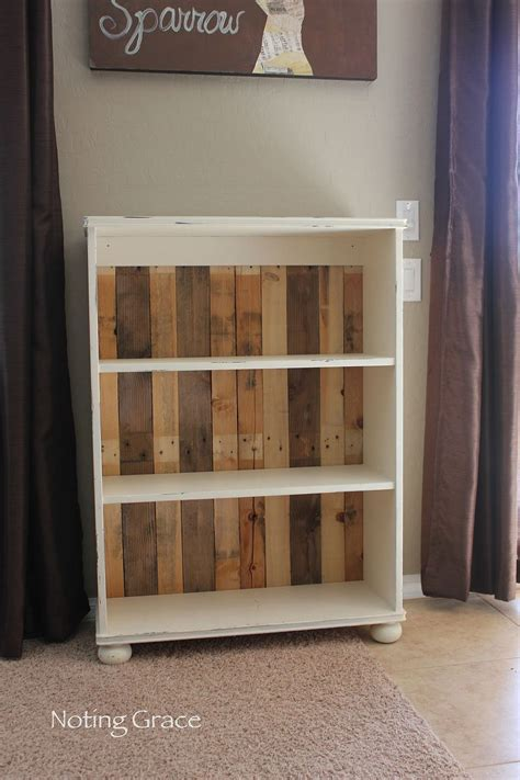 hometalk diy pallet bookcase