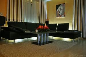 Couch Mit Beleuchtung : couch mit indirekter beleuchtung beleuchtung couch indirekter hifi bildergalerie ~ Frokenaadalensverden.com Haus und Dekorationen