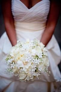 robe de chambre princesse pourquoi opter pour un bouquet de mariée rond