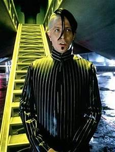 Das Fünfte Element Kostüm : gary oldman in the fifth element costume design pinterest jean paul gaultier filme und ~ Frokenaadalensverden.com Haus und Dekorationen
