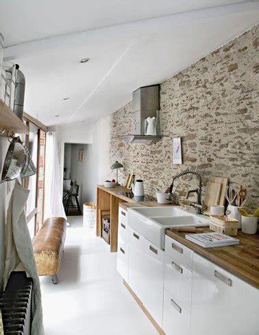 mur cuisine un mur en brique c 39 est stylé en déco de cuisine