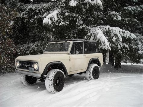 jeep bronco white white early bronco in the snow what could be better my