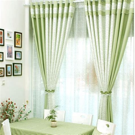 How To Use Curtain Holdbacks by Stampa Tende Vintage Di Verde E Bianco Patterns Plaid