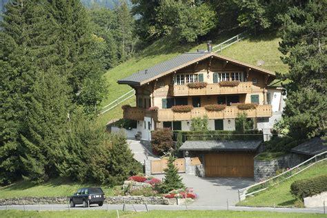 le chalet de johnny hallyday 224 gstaad est 224 vendre rts ch berne