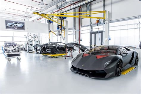 The Car Lift For Luxury Cars