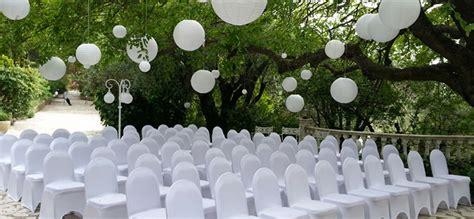 housse de chaise blanche mariage joli jour location housses de chaises et décorations