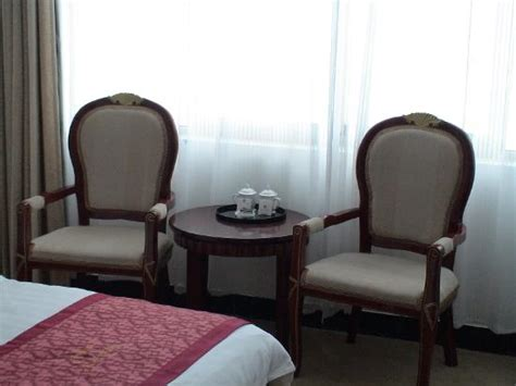 coffee table with 2 chairs picture of taixing hotel