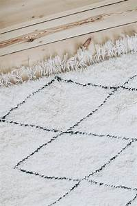 Beni Ourain Teppich : beni ourain rugs traditionally hand woven by the beni ourain tribes in the moroccan atlas ~ Frokenaadalensverden.com Haus und Dekorationen