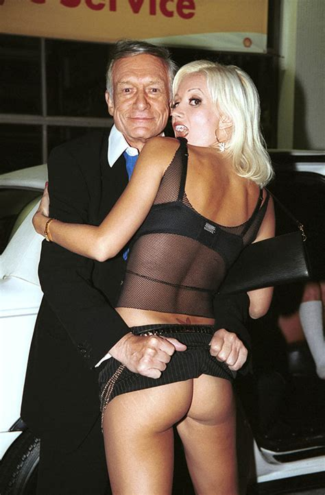 Holly Madison On Sex With Hugh Hefner Their First Time Was Miserable Hollywood Life