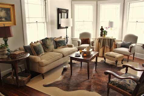 Cowhide Rug Living Room : The Rustic Charm In Contemporary Decor